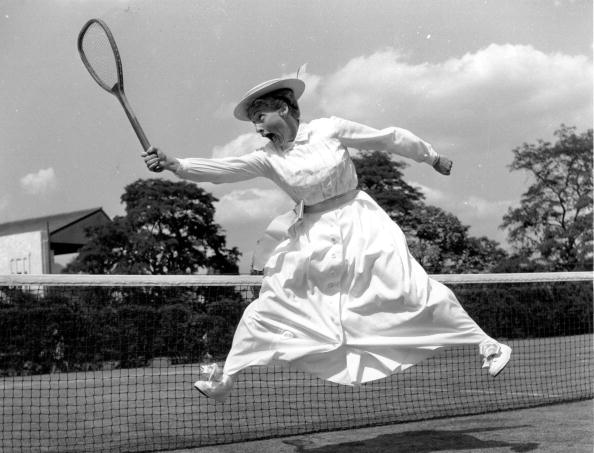 モノクロ「Tennis Dress」:写真・画像(11)[壁紙.com]