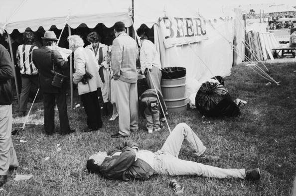 Entertainment Tent「Epsom Derby」:写真・画像(4)[壁紙.com]