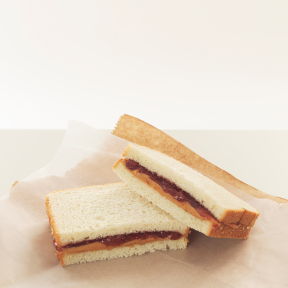Wrapped「Peanut butter and jelly sandwiches on wrapping paper」:スマホ壁紙(5)
