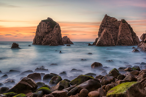 Rocky Coastline「Beautiful Atlantic Beach in Portugal at Sunset」:スマホ壁紙(19)