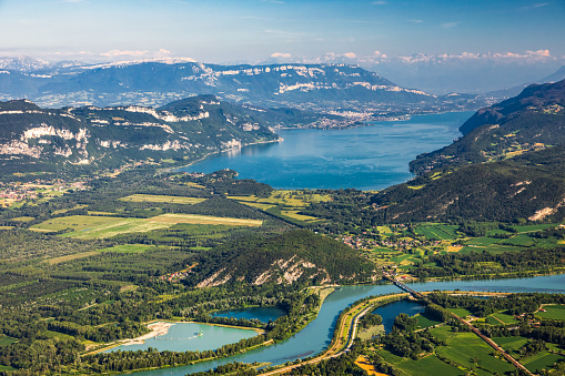 Lake Bourget「Beautiful aerial view French summer landscape viewed from Grand Colombier summit in middle of Bugey mountains in Ain department, with Rhone river, vibrant green fields and Lake Bourget in Savoie」:スマホ壁紙(18)