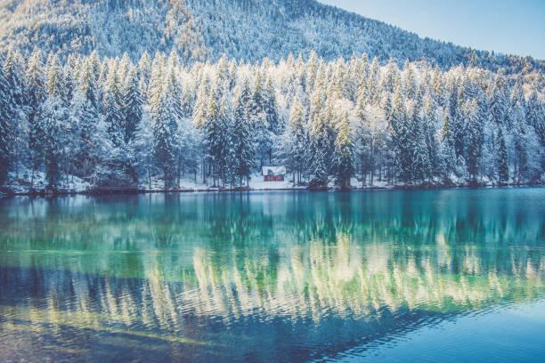 Beautiful Alps in Winter Lake Reflections:スマホ壁紙(壁紙.com)