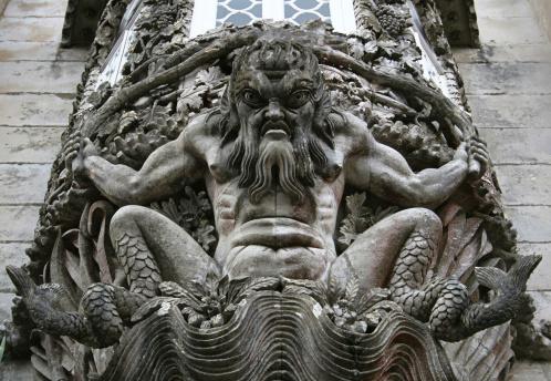 Ugliness「Stone carving in wall at Palacio da Pena, Portugal」:スマホ壁紙(9)