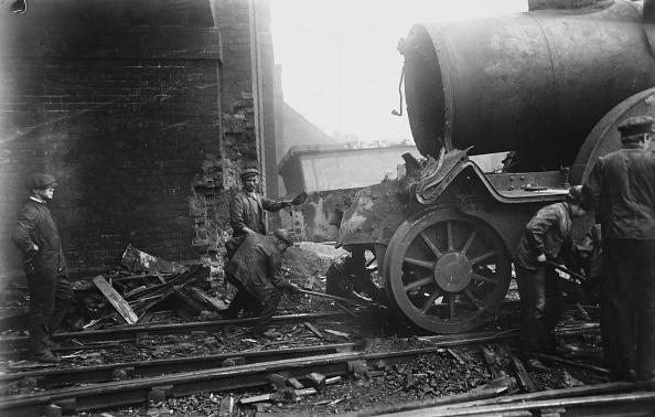 Train Crash「Ditton Junction Rail Crash」:写真・画像(15)[壁紙.com]