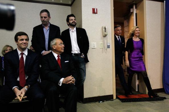 Support「Jon Huntsman Bows Out Of Presidential Race」:写真・画像(9)[壁紙.com]