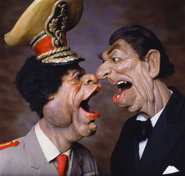Image「Spitting Image」:写真・画像(0)[壁紙.com]