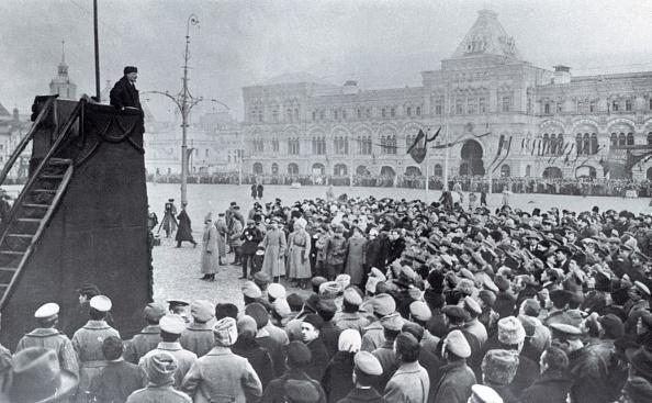 Speech「Lenin giving a speech on the Red Square」:写真・画像(12)[壁紙.com]