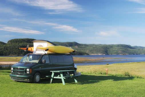 Riverbank「Camping vannear the Saguenay river shore」:スマホ壁紙(1)