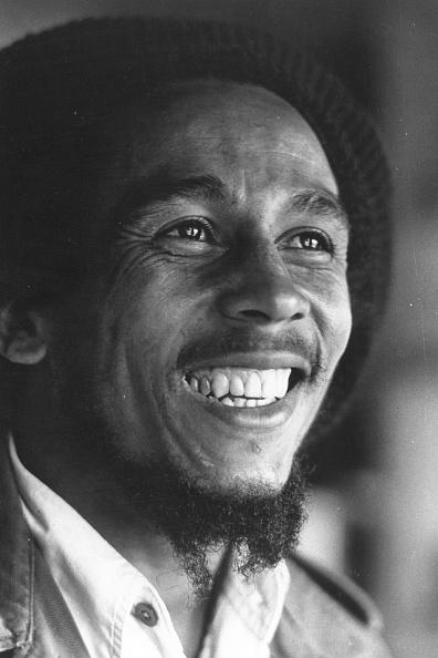 Smiling「Marley Smiling」:写真・画像(3)[壁紙.com]