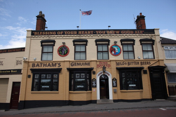 Pub Food「Regulars Enjoy A Traditional Black Country Pub」:写真・画像(8)[壁紙.com]