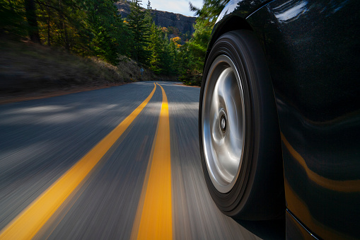 Road Marking「Black sports car motion country road.」:スマホ壁紙(16)