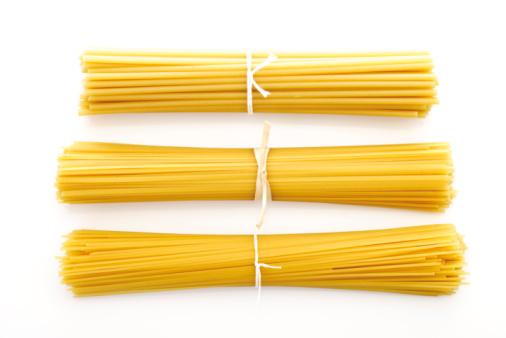Raw Food「Bundles of spaghetti, elevated view」:スマホ壁紙(18)
