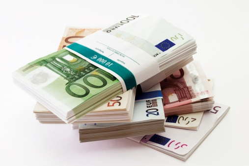 European Union「Bundles of euro banknotes, close-up」:スマホ壁紙(9)