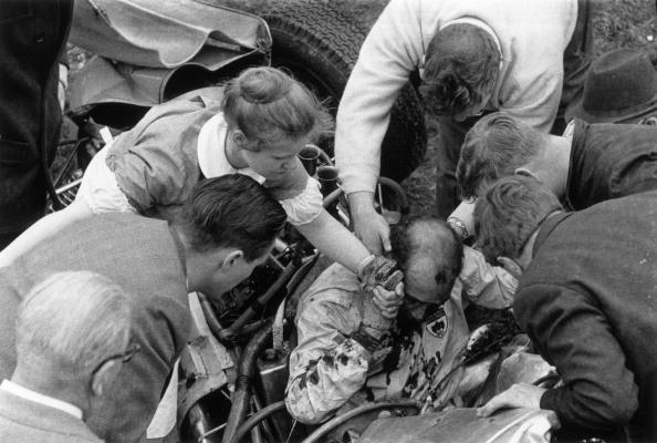 Victor Blackman「Racing Crash」:写真・画像(3)[壁紙.com]