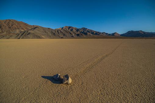 Racetrack Playa「Racetrack Playa in Death Valley」:スマホ壁紙(14)