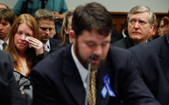Deepwater Horizon「Oil Rig Disaster Survivors And Family Of Victims Testify At House Hearing」:写真・画像(10)[壁紙.com]