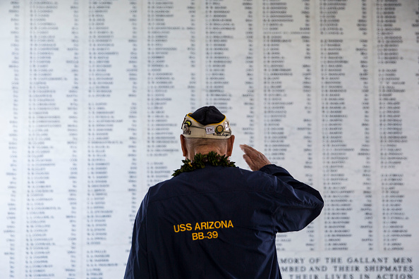 Human Interest「Remembrance Ceremony Held To Mark 73rd Anniversary Of Attack On Pearl Harbor」:写真・画像(7)[壁紙.com]