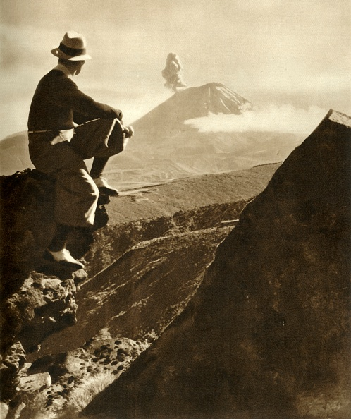 Men「The Rotorua District In The North Island Of New Zealand - The Climber Is Resting On A Rocky Promine Creator: Unknown」:写真・画像(18)[壁紙.com]