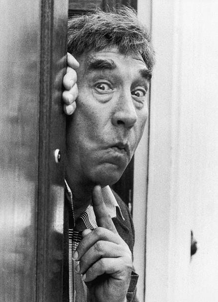 Peeking「Frankie Howerd」:写真・画像(0)[壁紙.com]