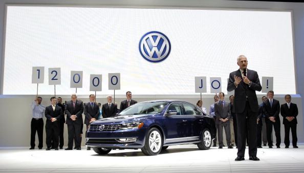 Volkswagen Passat「Detroit Auto Show Previews Newest Car Models From Around The World」:写真・画像(2)[壁紙.com]