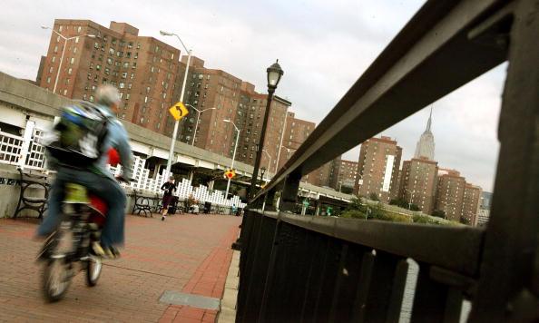 Apartment「MetLife Sells Largest Apartment Complex In Manhattan For $5.4 Billion」:写真・画像(2)[壁紙.com]