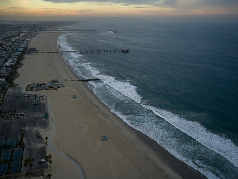 Manhattan Beach「Aerial flying over Los Angeles, CA morning」:スマホ壁紙(9)