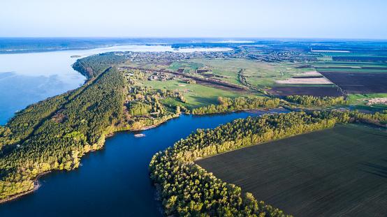 Helicopter「航空写真: 水を照らす太陽と湖の上飛んでいます。」:スマホ壁紙(10)