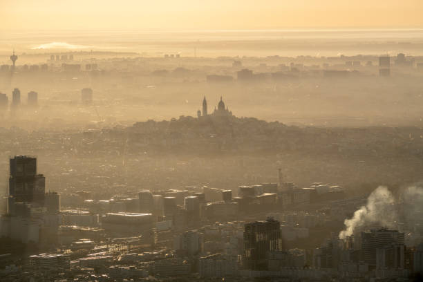 Aerial flying of the Sacré-Cœur in Paris France, sunrise:スマホ壁紙(壁紙.com)