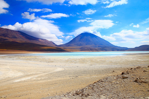 Bolivian Andes「Impressive Laguna verde - green lake reflection, Licancabur and Idyllic Atacama Desert, Volcanic landscape panorama – Potosi region, Bolivian Andes, Chile, Bolívia and Argentina border」:スマホ壁紙(15)