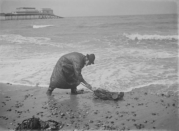 Fisherman「Fisherman At Cromer Beach」:写真・画像(11)[壁紙.com]