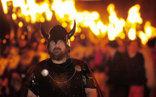Horned「Shetlanders Celebrate Annual Viking Festival Of Fire  」:写真・画像(14)[壁紙.com]