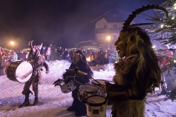 During Winter's Darkest Days Demonic Creatures Parade:ニュース(壁紙.com)
