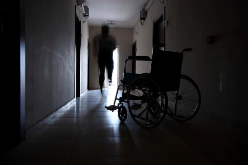 雪「Escape a wheelchair」:スマホ壁紙(17)