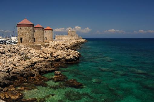 Aegean Sea「Rhodes Mandraki Windmills」:スマホ壁紙(18)