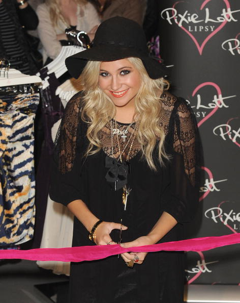Necklace「Pixie Lott Launches Autumn/Winter Range For Lipsy - Photocall」:写真・画像(13)[壁紙.com]