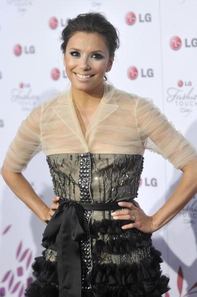 Mini Dress「Victoria Beckham & Eva Longoria Parker Host A Night Of Fashion & Technology」:写真・画像(10)[壁紙.com]