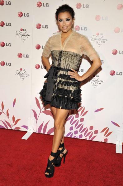 Mini Dress「Victoria Beckham & Eva Longoria Parker Host A Night Of Fashion & Technology」:写真・画像(6)[壁紙.com]
