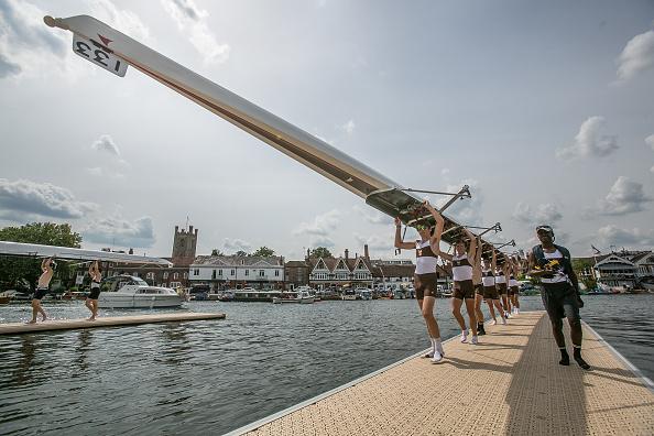 ヘンリーロイヤルレガッタ「Spectators Enjoy The Start Of The Henley Royal Regatta」:写真・画像(5)[壁紙.com]