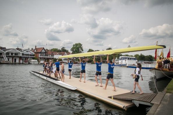ヘンリーロイヤルレガッタ「Spectators Enjoy The Start Of The Henley Royal Regatta」:写真・画像(19)[壁紙.com]