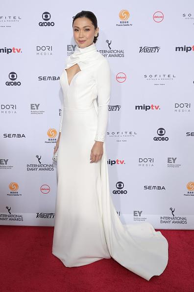 Jodi Hilton「44th International Emmy Awards - Arrivals」:写真・画像(1)[壁紙.com]