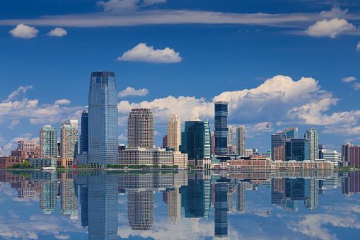 Jersey City「Jersey City Skyline with Goldman Sachs Tower Reflected in Water of Hudson River, New York, USA.」:スマホ壁紙(2)