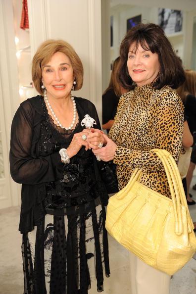 Clothing Store「Christian Dior And C Magazine Bar Jacket Presentation And Ladies' Tea」:写真・画像(11)[壁紙.com]