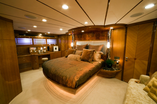 Duvet「bedroom interior luxury motor yacht wealth」:スマホ壁紙(5)