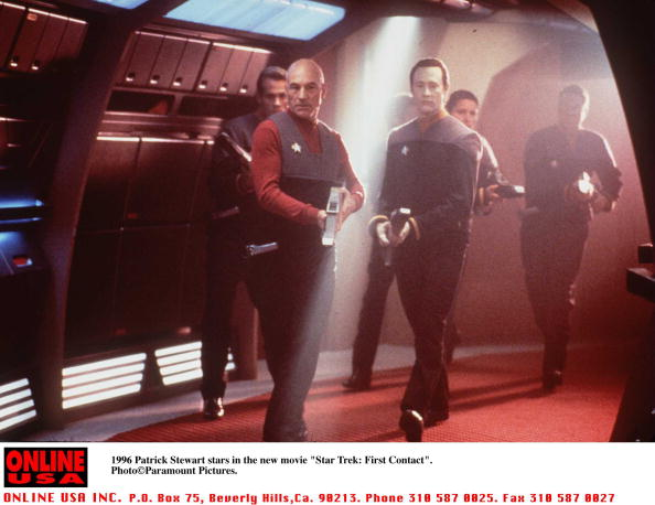 "Star Trek「1996 Patrick Stewart stars in the new movie ""Star Trek: First Contact"".」:写真・画像(2)[壁紙.com]"