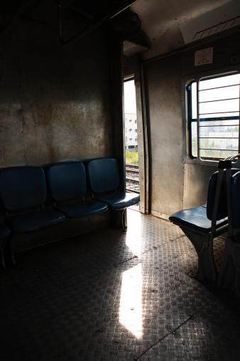 Train Interior「Seats in the MMTS train, Hyderabad」:スマホ壁紙(5)