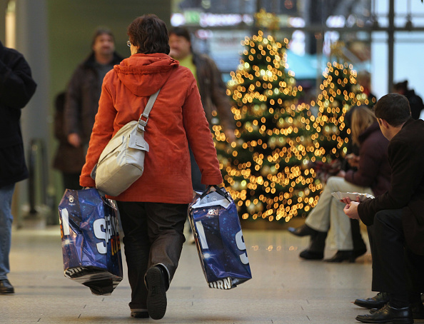 Shopping「Retailers Hope For Strong Christmas Season」:写真・画像(18)[壁紙.com]