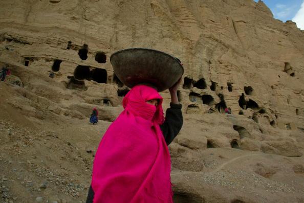 Paula Bronstein「Bamiyan Cave Dwellers」:写真・画像(14)[壁紙.com]