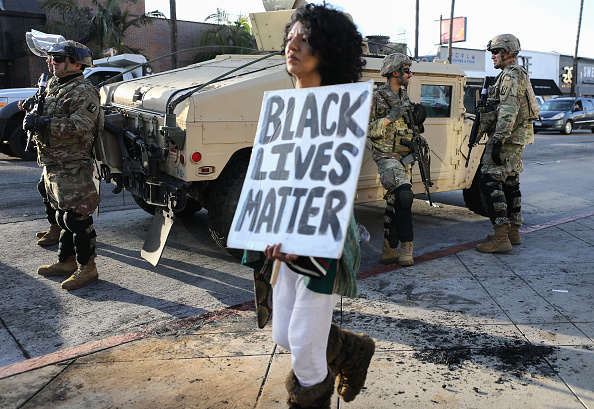 Protest「National Guard Called In As Protests And Unrest Erupt Across Los Angeles Causing Widespread Damage」:写真・画像(7)[壁紙.com]