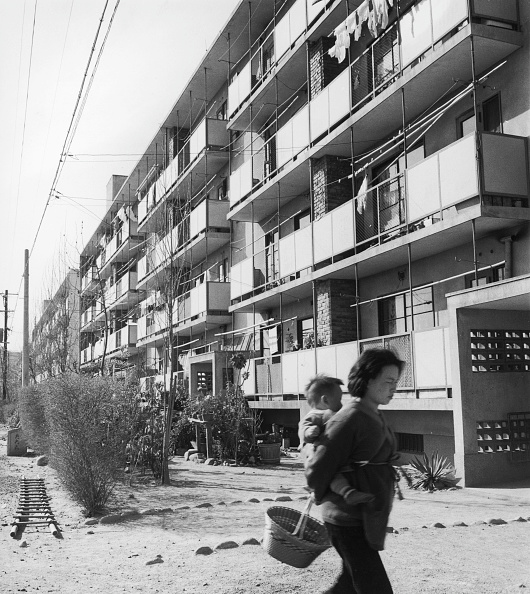 Apartment「Post War Housing」:写真・画像(8)[壁紙.com]
