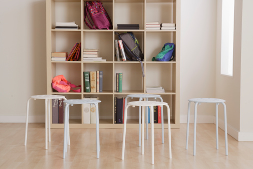 Stool「USA, California, Los Angeles, empty classroom with stools」:スマホ壁紙(17)